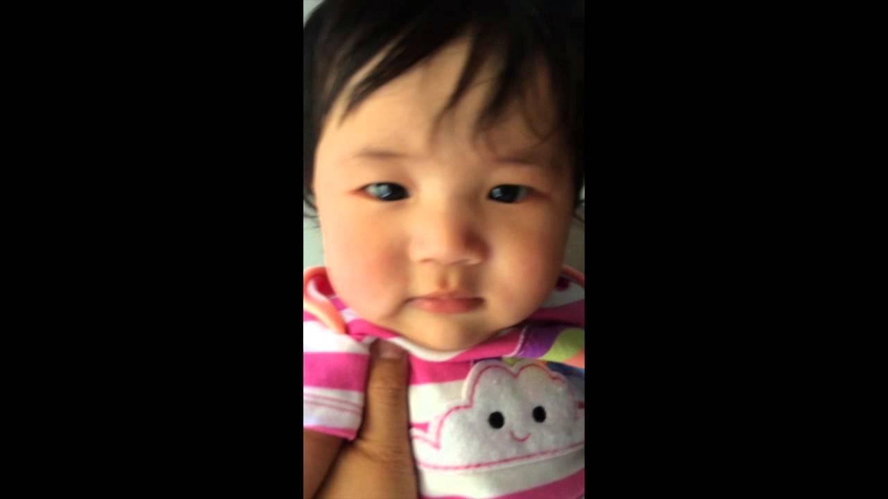 4 month Baby starts to Talk