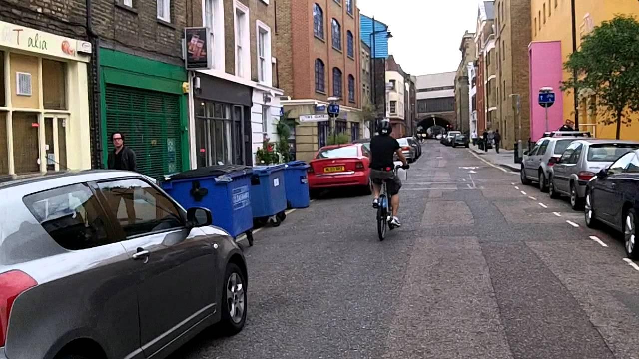 Cycling through Bermondsey on Boris Bikes