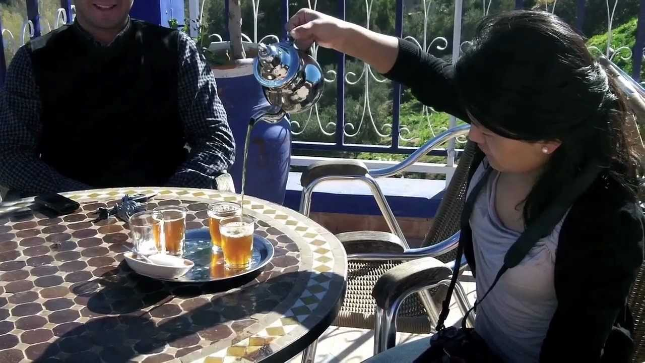 Making the perfect Moroccan Tea on a Rooftop Cafe on the way to the Atlas Mountains