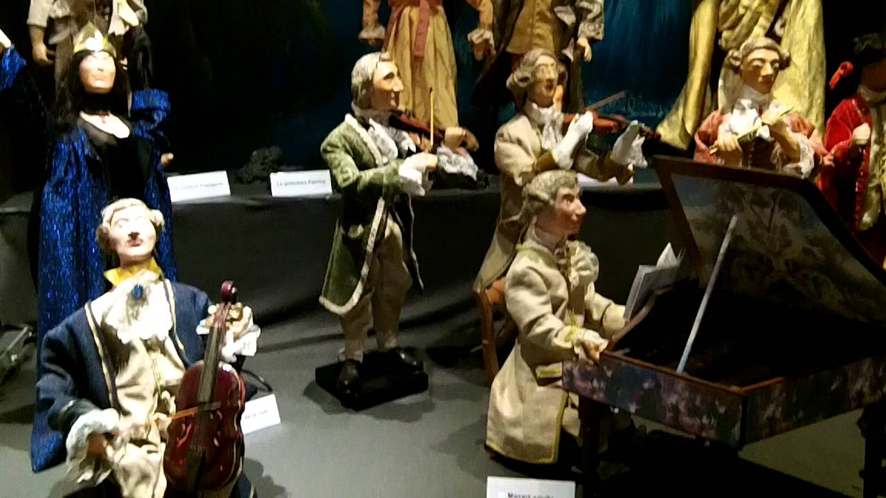 Mozart scene in Museum of Animated Puppets in Lyon