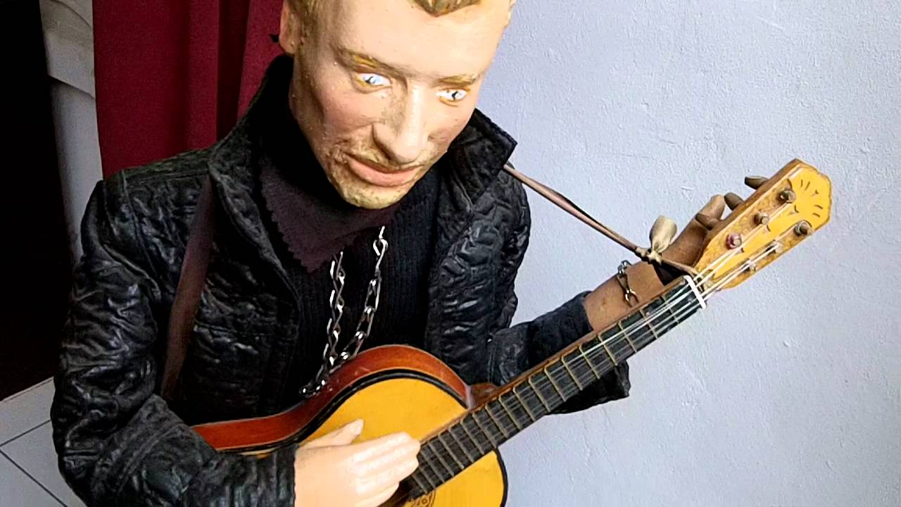 The 'Elvis' automaton at the Museum of Animated Puppets in Lyon