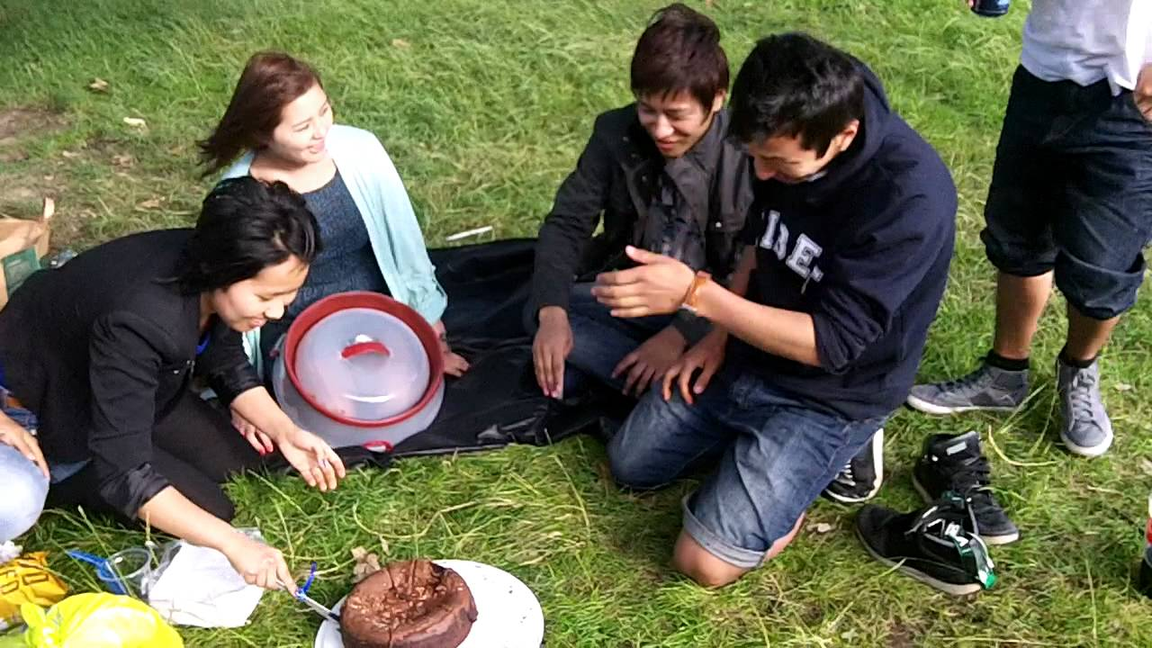 Tibetan picnic in Hampstead Heath – another video